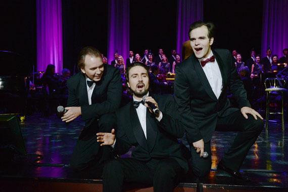 На сцене театра эстрады прозвучат романтические хиты ХХ века: http://www.m-monroe.ru/news/romanticheskie-hity-xx-veka.html